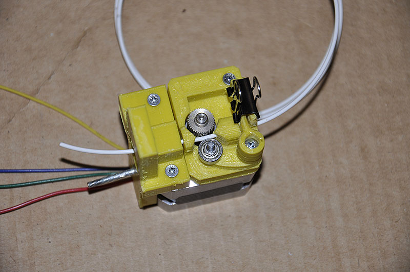 A simple and precise direct extruder for Prusa Reprap